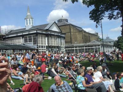 Crowds at Fringe Sunday