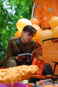 First World War meets Fringe (and carrot)