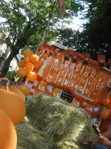 The float, from a tipsy angle...