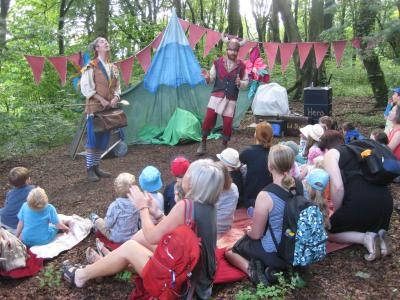 Babbling Vagabonds perform Here Be Dragons! in Grinlow Woods during Fringe40 (credit: Stephanie Billen 2019)