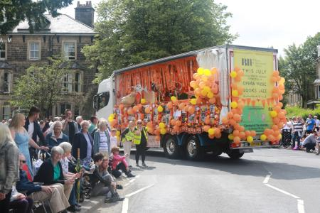 The fab Fringe40 float (credit: Ian J. Parkes 2019)