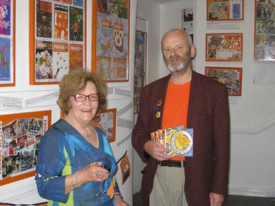Former chair from the 1980s Barbara Langham and 2019 chair Keith Savage admire the Fringe40 archive exhibition. (credit: Stephanie Billen 2019)