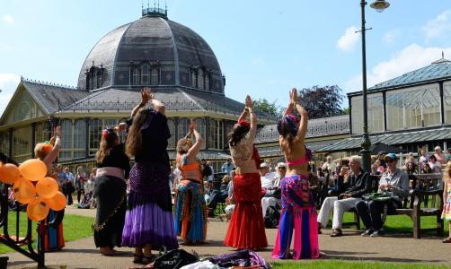 Crowds enjoy the Belly Dance Flames at Fringe Sunday (credit: Dave Upcott 2019)