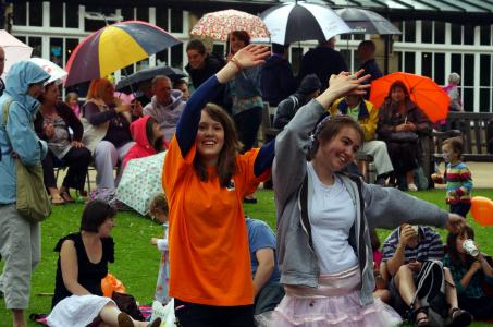 Annie and Emily waving in the rain 2011 (credit: Donald Judge)