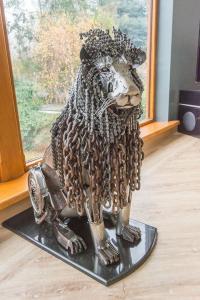 Lion - Jason Heppenstall